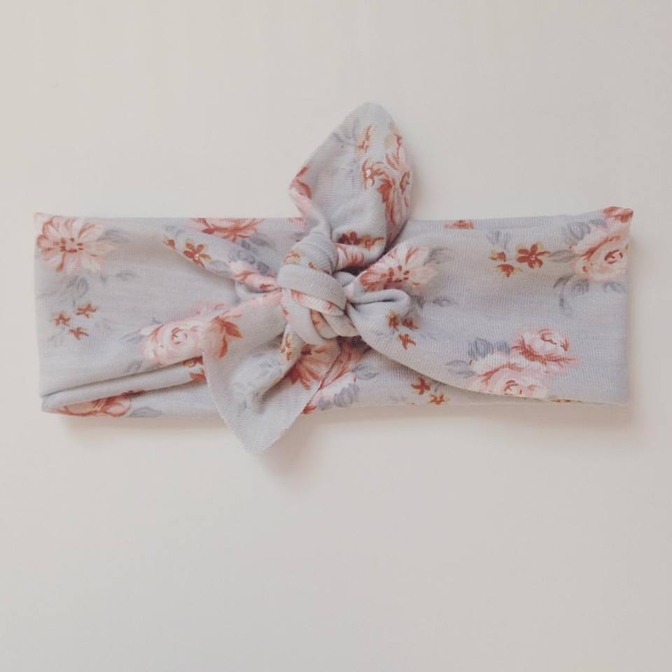 Bue gray floral